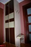 szafa z malowanym szkłem